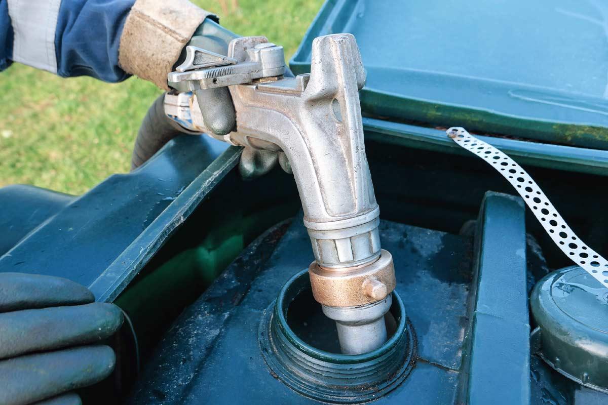 Tankreinigung-selber-machen